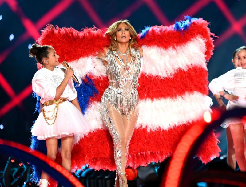 Jennifer Lopez with her fur coat